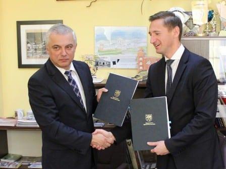 Gmina Resko podpisała umowę nadofinansowanie projektu instalacji ogniw fotowoltaicznych.